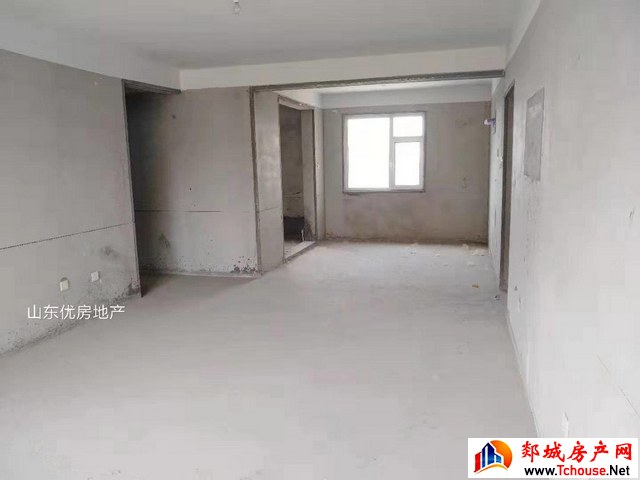 东方帝景 3室2厅 138.0平米 毛坯 92万元